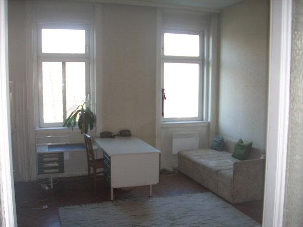 seminarraum mit wohnm glichkeit. Black Bedroom Furniture Sets. Home Design Ideas